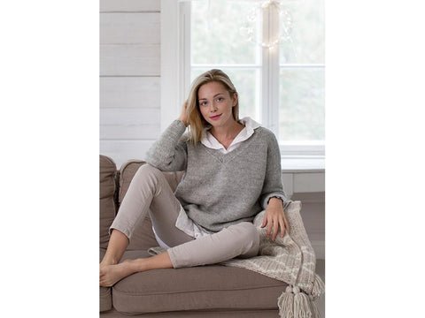 Women's Knitted Sweater in Novita Natura