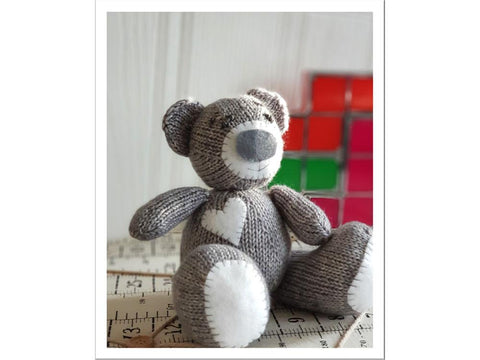Oliver Teddy Bear by Jane Burns in Scheepjes Stone Washed