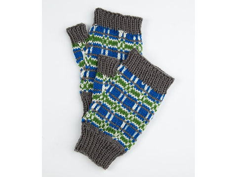 Tartan Mitts by Ruth Dorrington in Deramores Studio DK