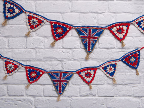 Union Jack Bunting Crochet Kit and Pattern in Rico Design Yarn