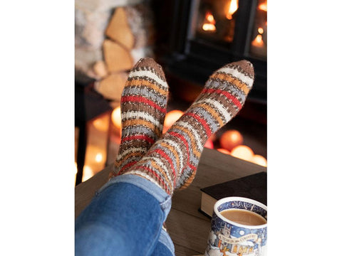 Robin Christmas Socks by Winwick Mum in West Yorkshire Signature 4 Ply