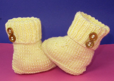 Easy Baby 2 Button Booties by MadMonkeyKnits (821) - Digital Version