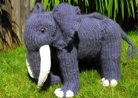 Engelbert Elephant SuperFast Knitting Pattern by MadMonkeyKnits (1) - Digital Version