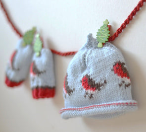 Little Robins Beanie and Little Robins Baby Mittens by Linda Whaley - Digital Version