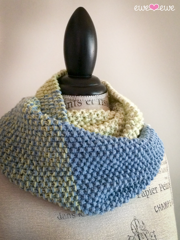 Colour Theory Cowl in Ewe So Sporty Merino (406)