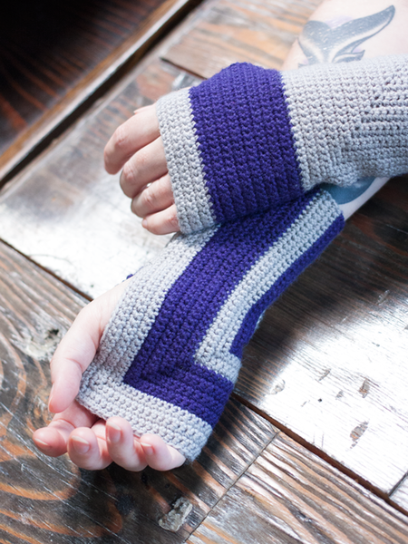 Crossroad Crocheted Mitts in Ewe So Sporty Merino (426)