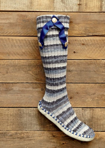 Slipper Socks With Bows and Ribbon Slipper Socks in Bergere de France Goomy 50 (427.75)