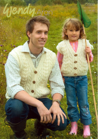 Gilets in Wendy Aran with Wool (5586)