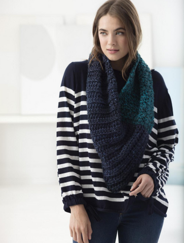 Lion Brand® Hometown USA® Two-Color/Two-Stitch Cowl (Crochet) (L70094)