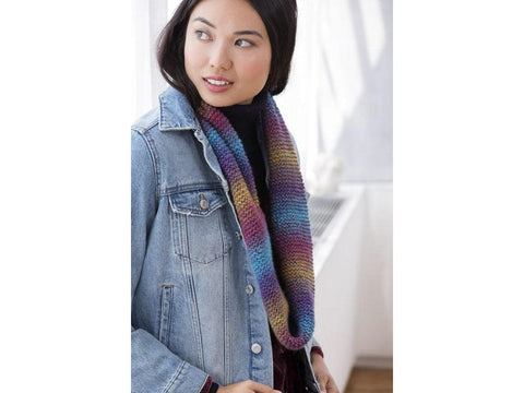 Cowl With A Twist in Lion Brand Ferris Wheel (L80174)