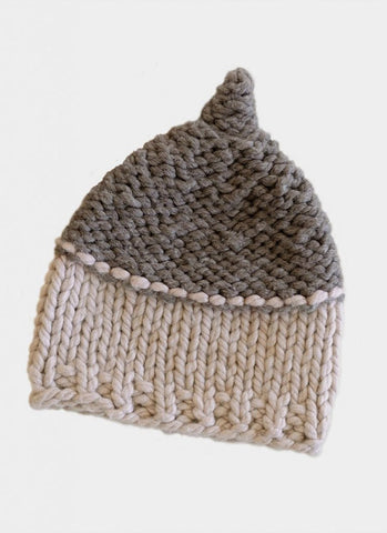 Acorn Hat in Spud & Chloe Outer