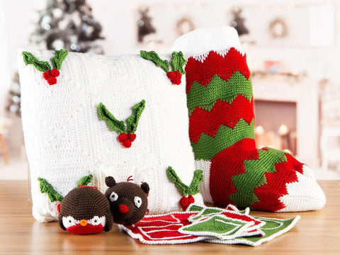 The Official Deramores 2019 Christmas Crochet-Along by Zoë Potrac: Exclusive to Deramores this Christmas!
