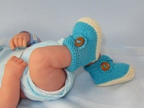 MadMonkeyKnits Baby 2 Colour Cross Strap Booties (881) - Digital Version