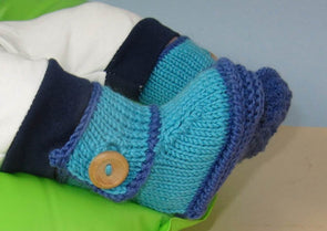 Baby One Button Bumper Booties by MadMonkeyKnits (836) - Digital Version