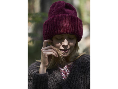 Knitted Beanie in Novita Natura