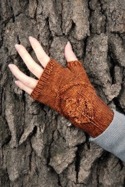 Oak Grove Mitts by Never Not Knitting