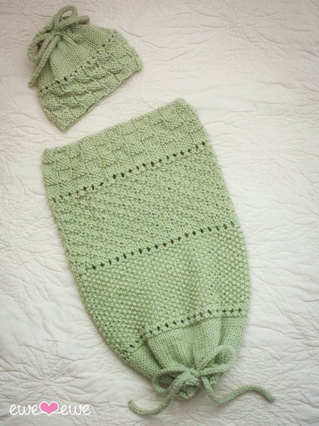 Pea in a Pod Papoose and Hat in Ewe Wooly Worsted (240)
