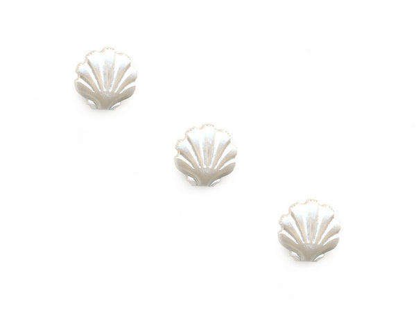 Pearlescent Shell Shaped Buttons - White - 076