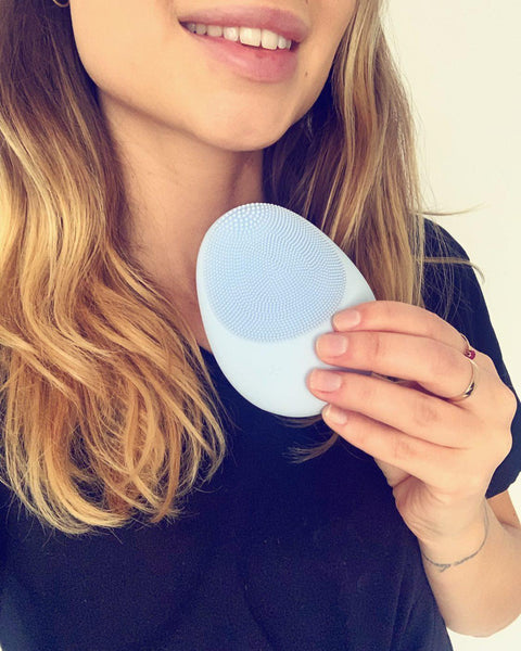 Mellow W-SONIC Silicone Facial Cleansing Brush