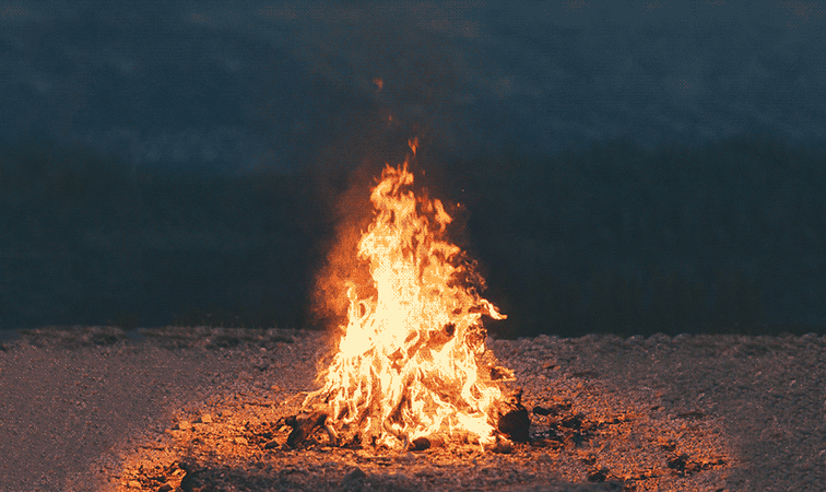 🔥 How to Spark a Fire: The Outdoorswoman's Guide to Campfires