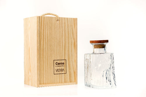 Cerne Decanter by Samuel Reis