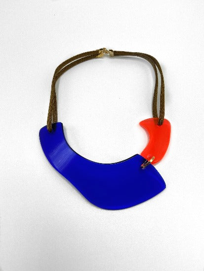 Dk Blue/Neon Pink Gold Pleated Brass Plexiglas Necklace