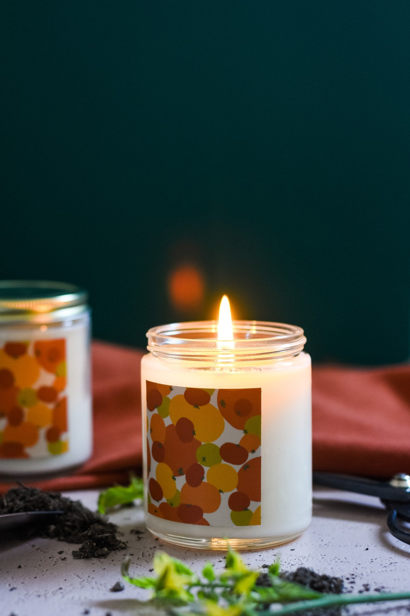 standard wax tomato leaf candle