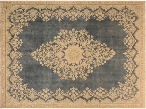 "A10586, 7' 6"" X 10' 1"",Vintage                       ,7' x 10',Grey,BEIGE,Hand-knotted                  ,Pakistan   ,100% Wool  ,Rectangle  ,652671193149"