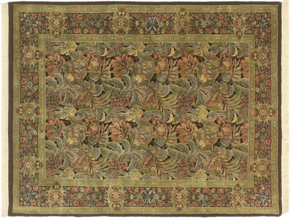 "A01936, 4' 2"" X  6' 2"",Traditional                   ,4' x 6',Black,GREEN,Hand-knotted                  ,Pakistan   ,100% Wool  ,Rectangle  ,652671140242"