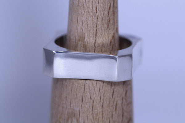 Large Concave Square Ring