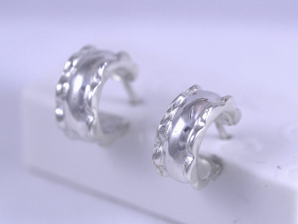 Scallop Edge Hoops