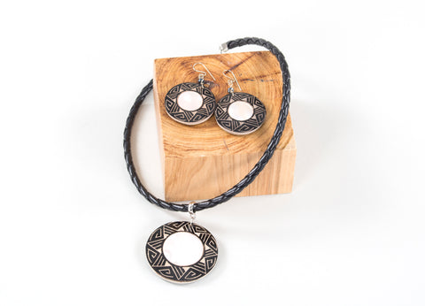 Estrela Sombrio | Etched Gourd Jewelry Set