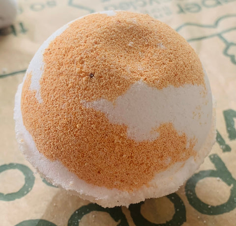 White Tea, Grapefruit and Ginger Bath bomb