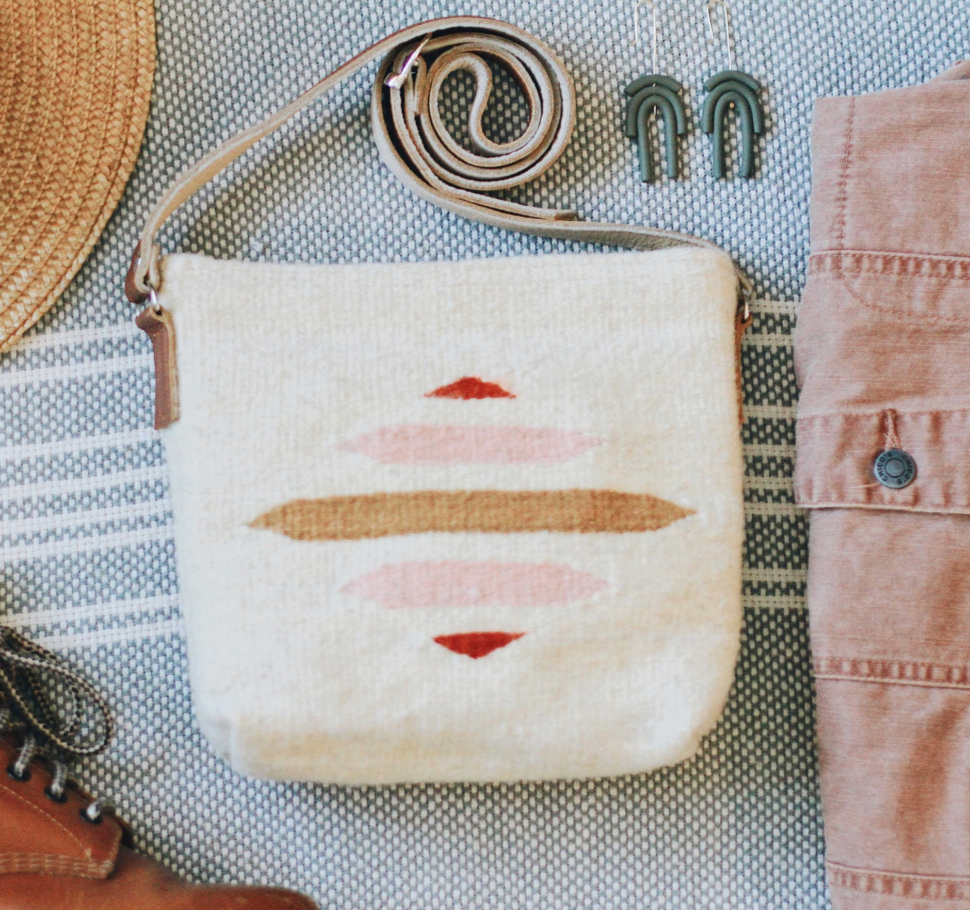Handmade bags made in Mexico. Fair trade accessories. Handwoven with boho and modern accents.