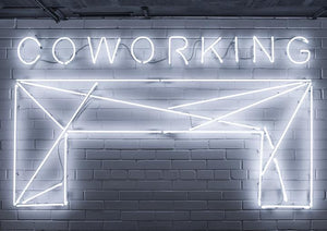 "Neon sign ""Coworking"""