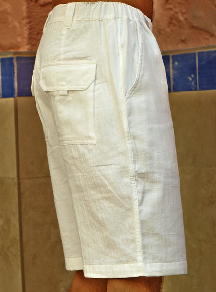 B200 Bermuda White Shorts