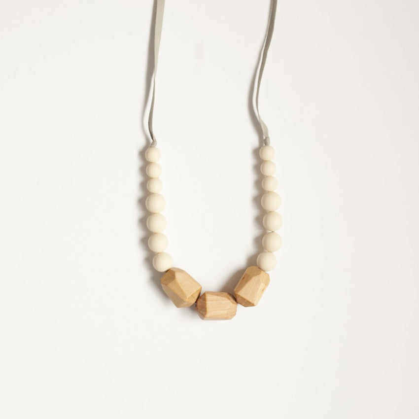 The Story - Teething Necklace // Natural Cream
