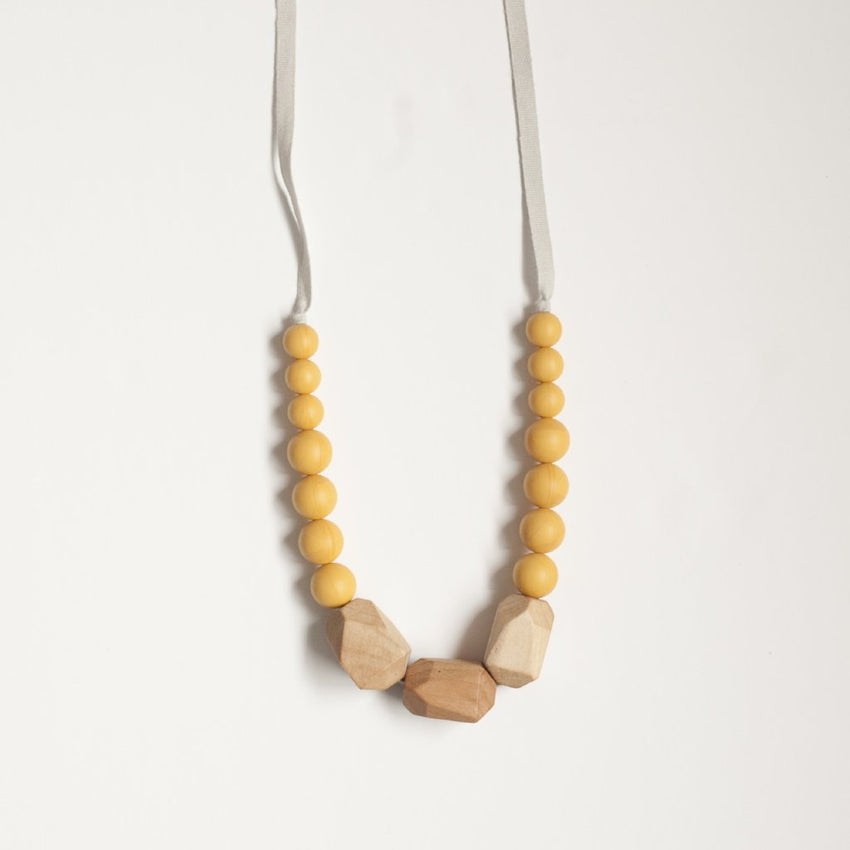 The Story - Teething Necklace // Merigold