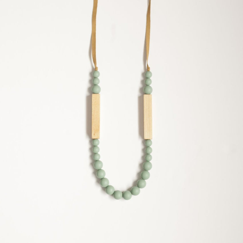 The Allie - Teething Necklace // Sea Glass