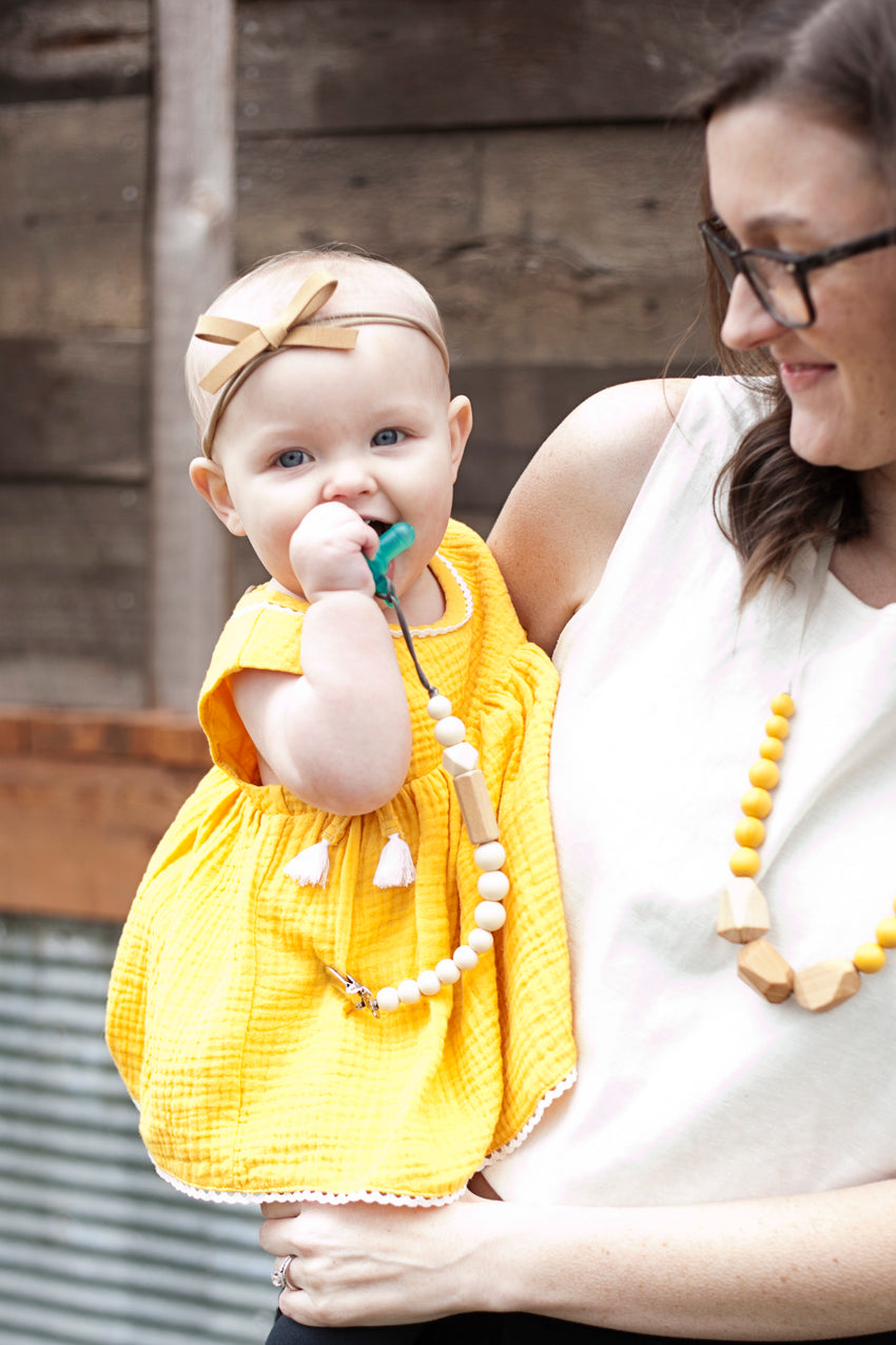 The Avery - Paci-Clip // Cream