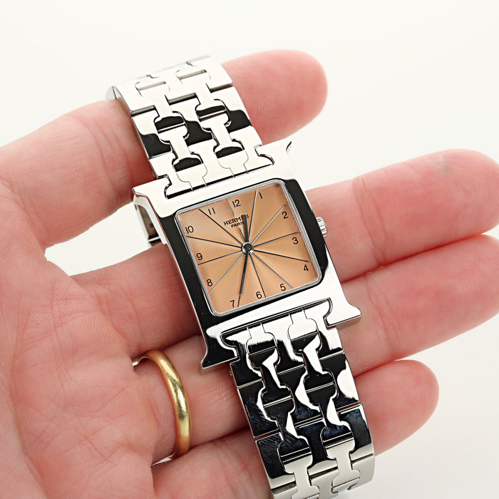 Hermes H Heure in stainless steel with salmon dial quartz movement ref HH1-510 - Terrafinejewelry