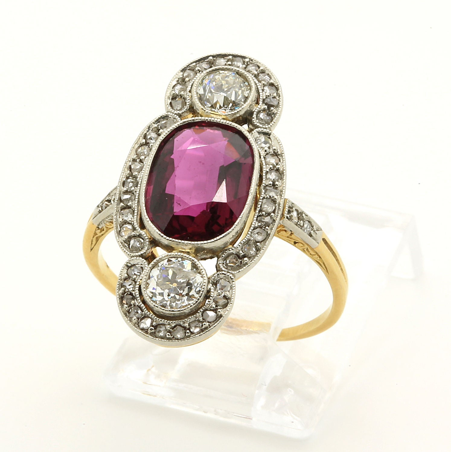 Antique Art Deco Ring in 18k Yellow Gold with 2 carat Ruby & Diamonds - Terrafinejewelry