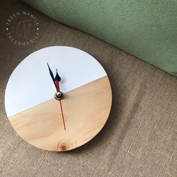 Scandinavian Inspired Pallet Clock