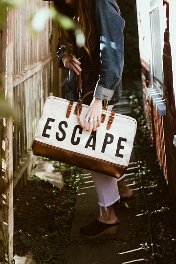 escape traveler bag in ivory - Piper & Chloe