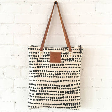 canvas mod tote in worn black hillary - Piper & Chloe
