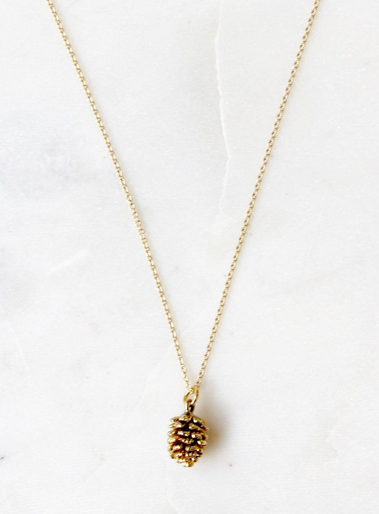 necklace with pine cone charm - Piper & Chloe