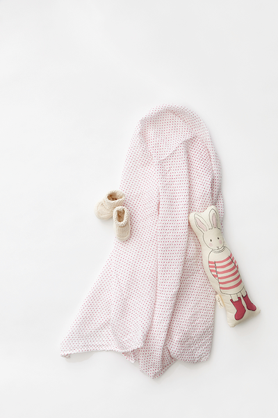 swaddle in grey pin dot