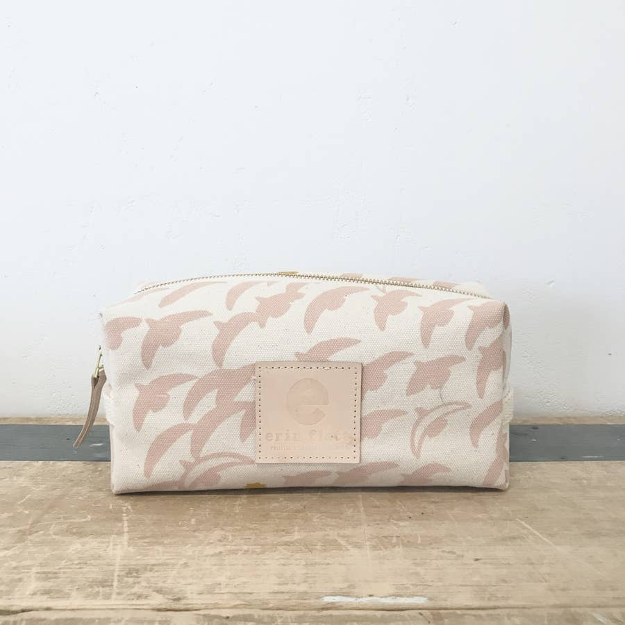 dopp kit in dusty pink flight - Piper & Chloe