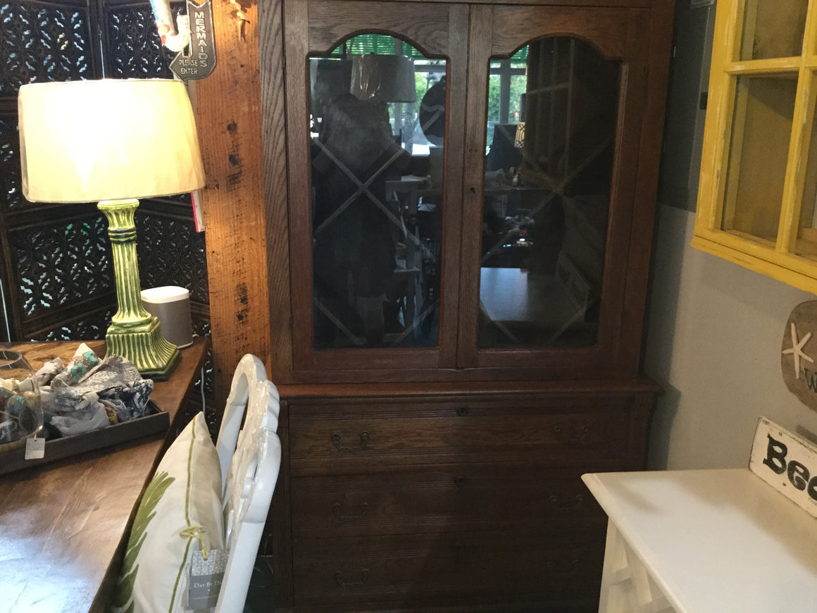 Antique oak 2pc China cabinet - VINTAGE JOURNEY MARKET - Upcycling & Restoration