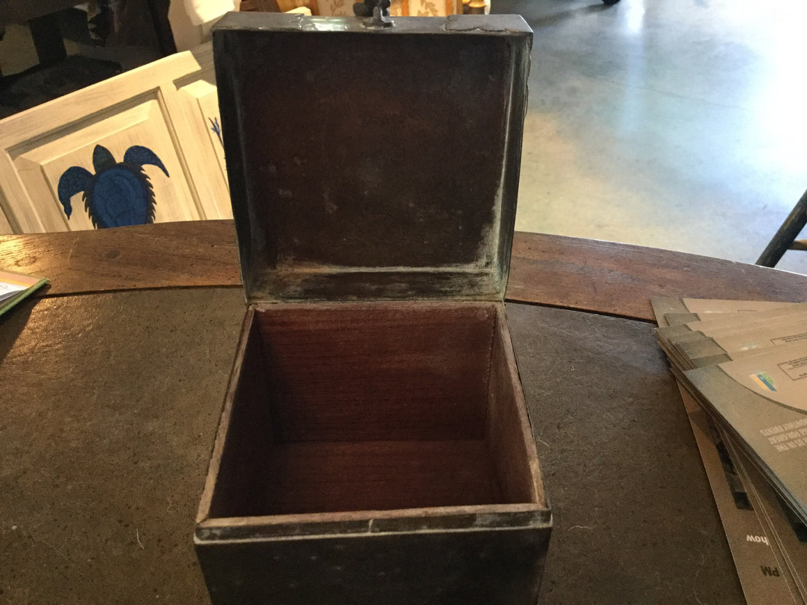 Brass box w/hinge - VINTAGE JOURNEY MARKET - Upcycling & Restoration